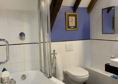 Holiday cottage ensuite