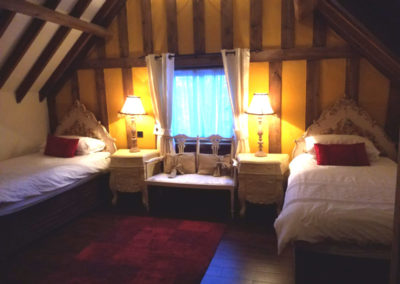 Old Carthouse twin bedroom
